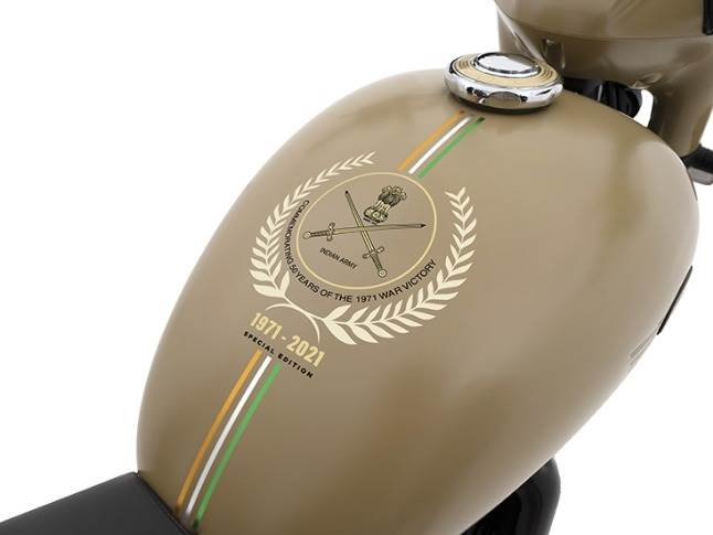 Both Jawas emblazoned with army insignia – a first for any production motorcycle in India
