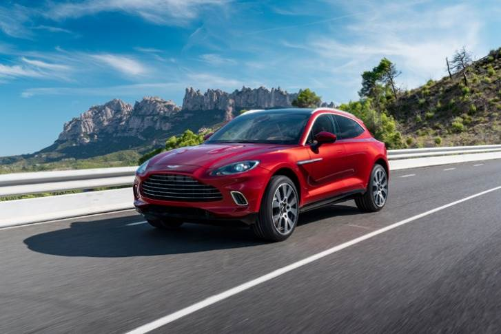 There's a smart all-wheel-drive system that features electronically controlled centre and rear differentials to distribute torque away from slipping wheels.