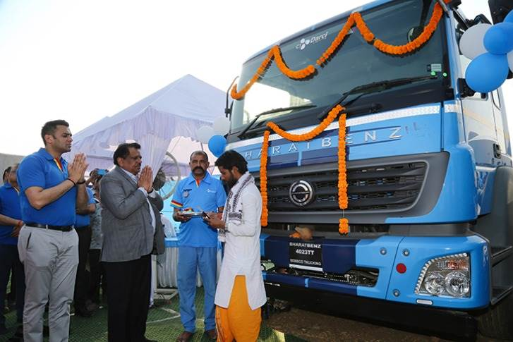 Traditional pooja ceremony during the customer handover session of 120 BharatBenz trucks (before the Corona-driven lockdown came into force in India.