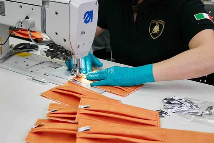 Surgical masks produced by Lamborghini for the S. Orsola Hospital