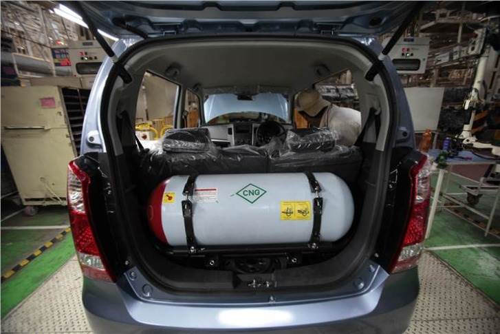 In Delhi, petrol costs Rs 84.95 per litre and diesel retails at Rs 74.63. CNG is much cheaper at Rs 46.60 per kilogram and hasn't seen a hike since August 2019. Running costs are lower too: Maruti Suzuki claims 21.79kpl for 1.0L Wagon R petrol and 32.52km per kilogram of CNG.