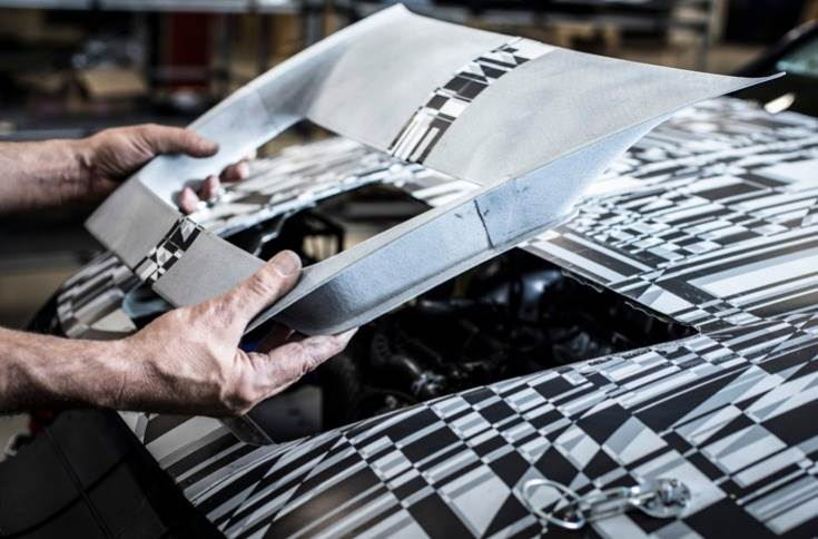 New Leon Competición model to use 3D printed door mirrors, air intakes and cooling intakes.