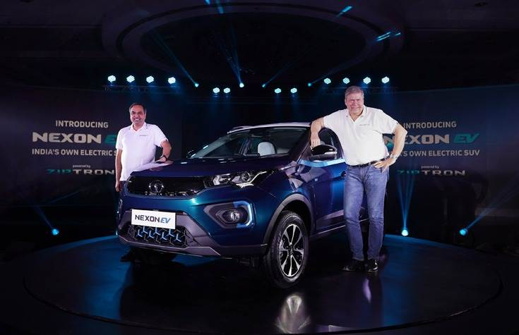 Guenter Butschek, CEO and MD, Tata Motors and Shailesh Chandra, President – Electric Mobility Business & Corporate Strategy, Tata Motors unveil the Nexon EV in Mumbai.