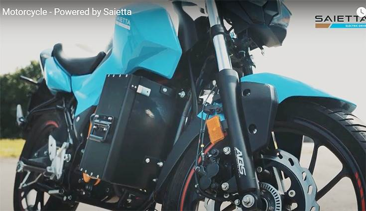 The key innovation in the Saietta-Hero  prototype is the swappable battery..