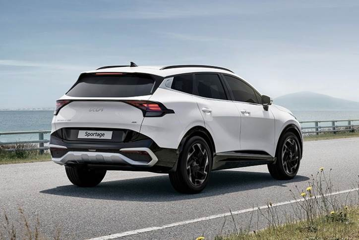 New Sportage is the first Kia vehicle to be available in long-wheelbase and short-wheelbase model variants depending on the region.