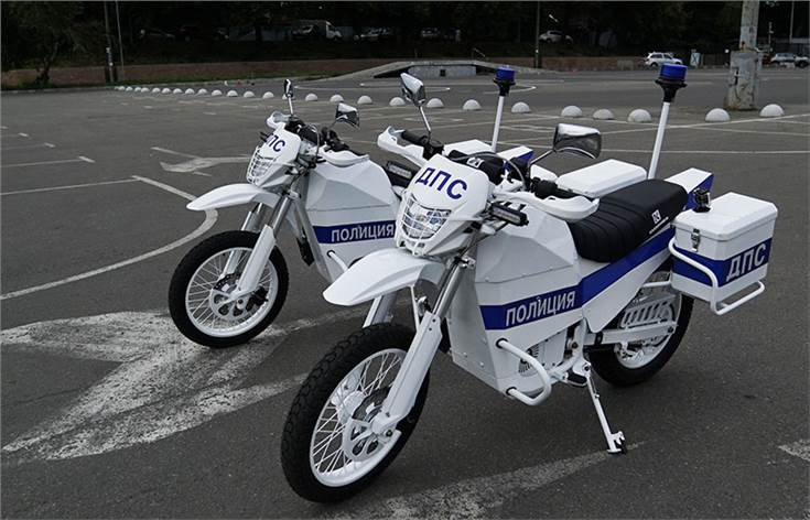 The electromotorcycles from Kalashnikov are intended for road patrol and patrol police services