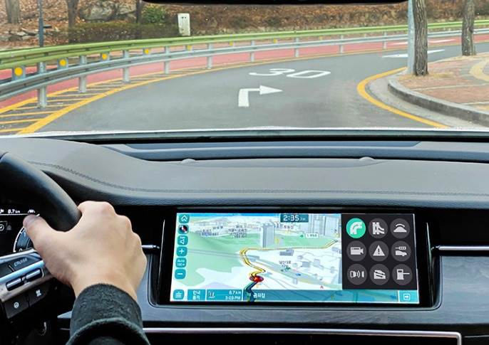 ICT Connected Shift System uses intelligent software in the Transmission Control Unit (TCU) that collects and interprets real-time input from underlying technologies, including 3D navigation.