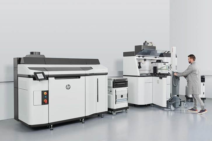 The HP Jet Fusion 5200 3D commercial an industrial printer.