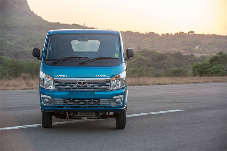 The Intra, powered by new-gen DI engine which develops 70hp and 140 Nm, is mated to a five-speed gearbox with cable shift mechanism. It also has a gear shift advisor to achieve optimum fuel efficiency