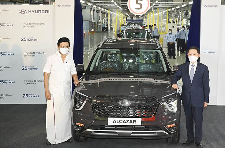 M K Stalin, Chief Minister of Tamil Nadu and S S Kim, MD and CEO, Hyundai Motor India, at the rollout of the 10 millionth car – an Alcazar SUV – at the Hyundai manufacturing plant.