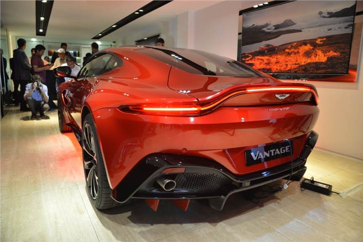 Aston Martin Launches Vantage In India At Rs 2 95 Crore