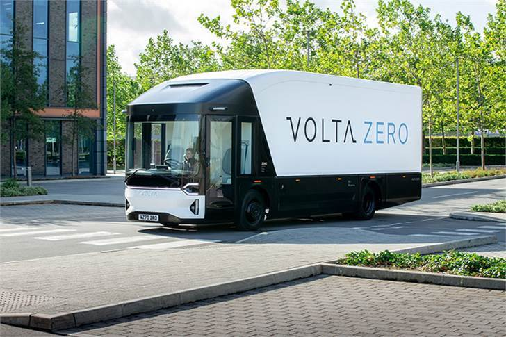 All-electric Volta Zero, designed for urban freight transport, is 9,460mm long, 3,470mm tall and 2,550mm wide. GVW is 16,000kg and has a limited top speed of 90kph (56mph).