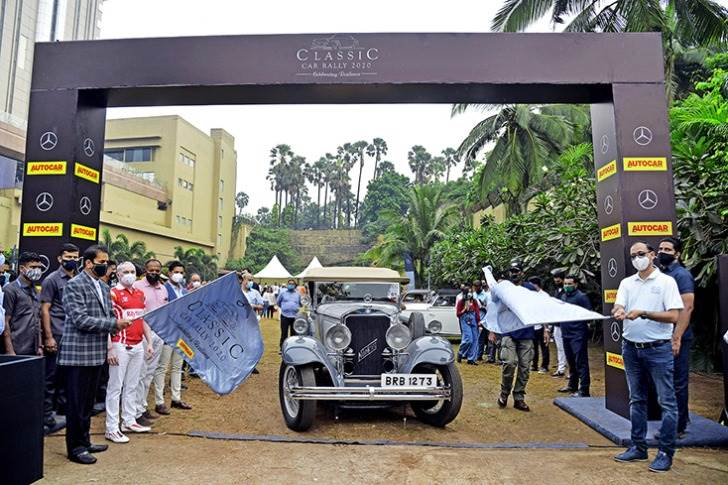 Anil Deshmukh, Home Minister, Maharashtra and Santosh Iyer, Vice-President, sales & marketing, Mercedes-Benz India flagging off the rally.