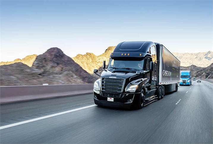 In January 2019, the new Freightliner Cascadia made its world premiere at CES. It offers partially automated driving features (Level 2), making it the first-ever partially automated series in the USA.