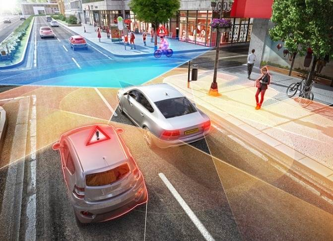 The surround radars detect objects such as crossing vehicles, motorcycles and cyclists early and precisely.
