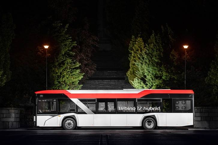 Some Urbio 12 buses will feature typical urban solutions andthree doors, while others will have twoentrances andan equipment variant tailored tosuburban routes.