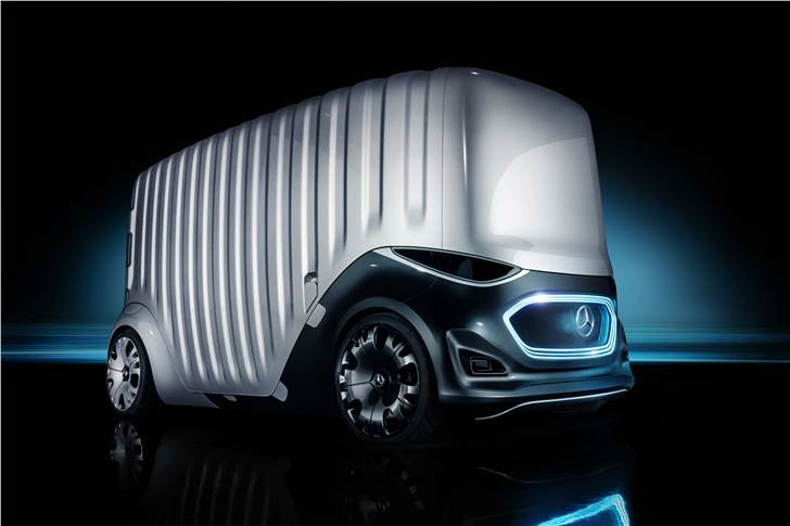 Mercedes-Benz Vision URBANETIC cargo module, offers a load length of 3.70 metres in an overall vehicle length of 5.14 metres, and can accommodate up to 10 EPAL palettes.