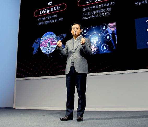 """Han-Woo Park, president and CEO of Kia Motors: """" Kia is a very strong SUV and MPV player. So the next one I'm considering is another MPV model for Indian customers."""""""