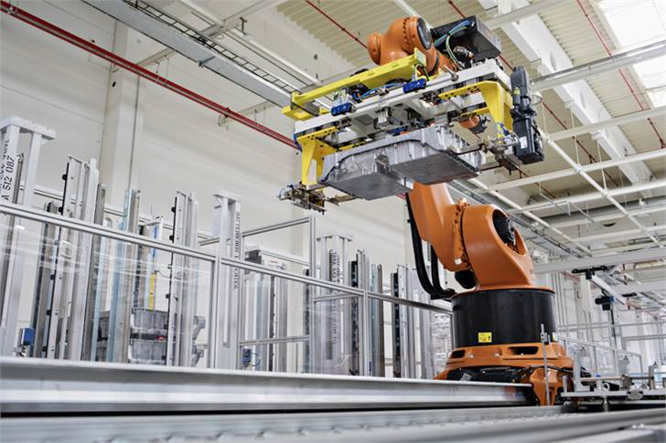 Skoda, which has invested 25.3 million euros in the production lines for high-voltage batteries, started preparing the Mladá Boleslav plant for EV components two years ago.