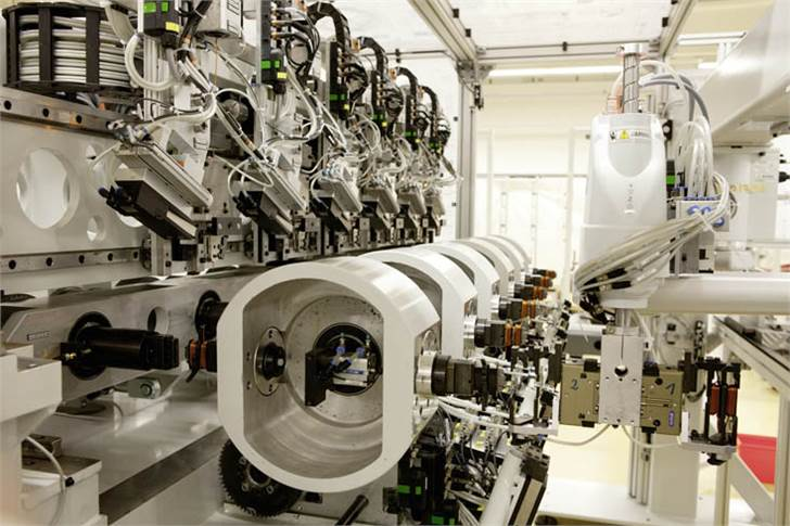 Six-spindle winding machine for high-volume production – for quantities of up to one million pieces.