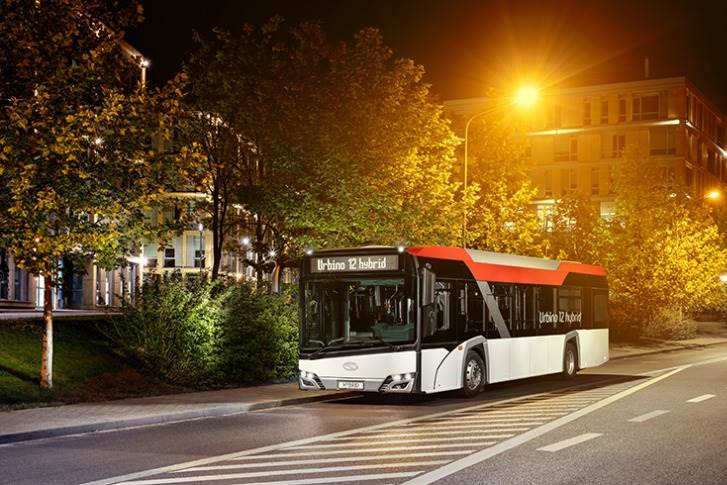 The Solaris Urbino 12 hybrid bus, with adiesel-electric, serial hybrid drive, isone oftwo models shortlisted.