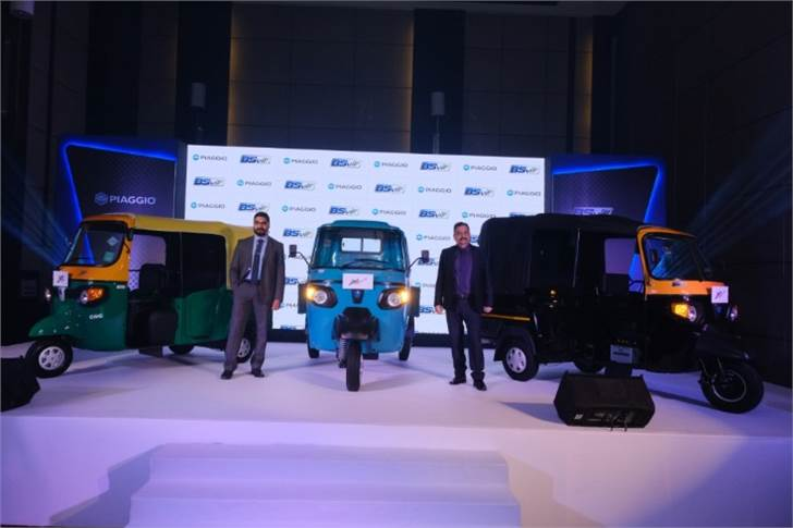 L-R:  Saju Nair, EVP and Head of CV Business, Piaggio Vehicles and Malind Kapur, senior vice-president, Marketing and Channel Development Piaggio Vehicles with the new