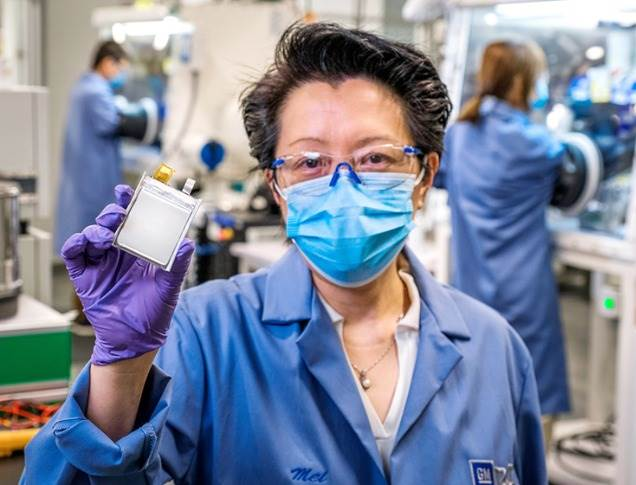 GM R&D Group Manager Mei Cai, Ph.D., holds a prototype second-generation Ultium battery cell. GM has completed hundreds of test cycles on the multi-layer prototypes of this next-generation Ultium cell chemistry. Production cells are expected by mid-decade.