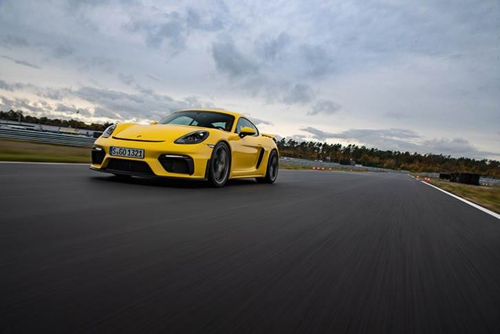 The two-door sports car range increased by 26 percent during the first three months of 2021.