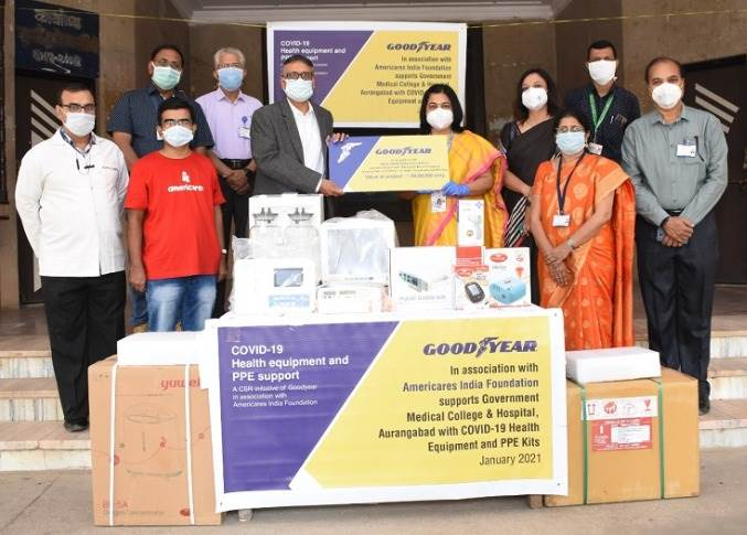 Ashu Goel, manufacturing director, Goodyear South Asia Tyres handing over critical equipment for the treatment of Covid-19 patients, to Dr. K A Yelikar, dean, Government Medical College & Hospital, Aurangabad.