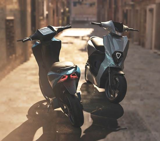 The tech-laden scooter has a claimed 240km range with a detachable 4.8kWh li-ion pack, mid-drive motor and on-board connectivity.