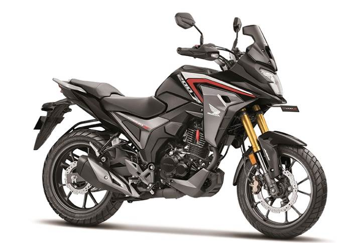 The motorcycle comes powered by a 17hp, 184cc, single-cylinder PGM-FI motor with a roller rocker arm to minimise engine friction.