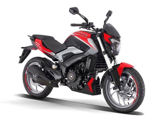 2021 Dominar 250 in Racing Red and Matt Silver. A month ago, price was dropped by 10% to Rs 154,176.
