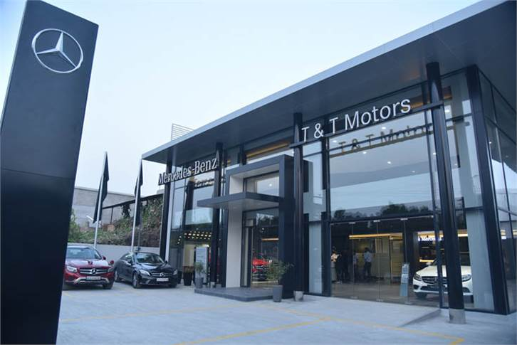 The 3S showroom in Jodhpur has a 3-car display and 4 service bays. It will also cater to neighboring districts of Pali, Sirohi, Jalore, Sanchore, Barmer, Jaisalmer and Nagaur in Rajasthan.