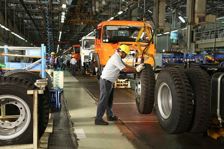 The Jamshedpur plant, which was set up in 1945, rolls out M&HCVs vehicles and has a manufacturing capacity of 133,500 units per annum.