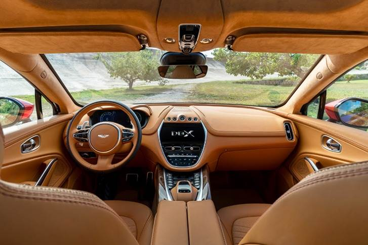 DBX designed to allow maximum room in the cabin, putting a premium on refinement and class-leading spaciousness for both front and rear occupants.
