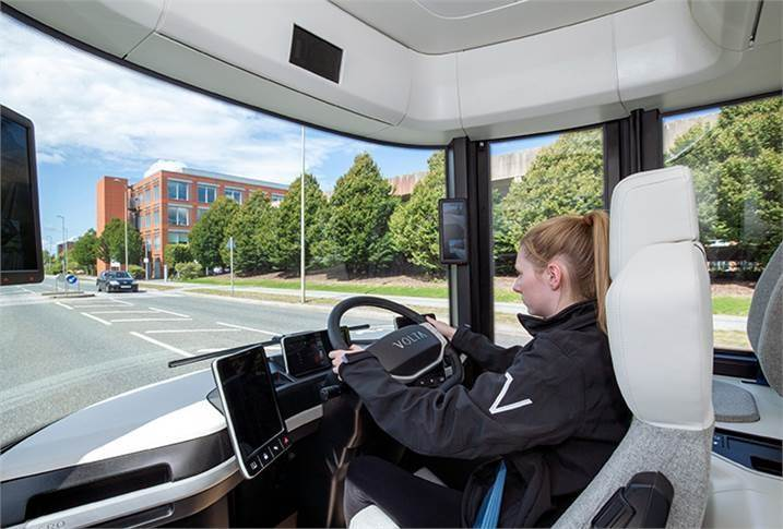 Safety and comfort for the driver have been optimised by minimising cognitive overload. To aid ingress and egress, the removal of the internal combustion engine means the driver sits in a central driving position with a swivel seat.