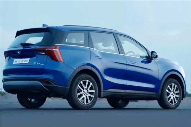 Seven-airbag-equipped XUV700 high on safety – ADAS systems include FCW, AEB, ABS with EBD. Plus adaptive cruise control, smart pilot assist, traffic sign recognition and driver drowsiness detection.