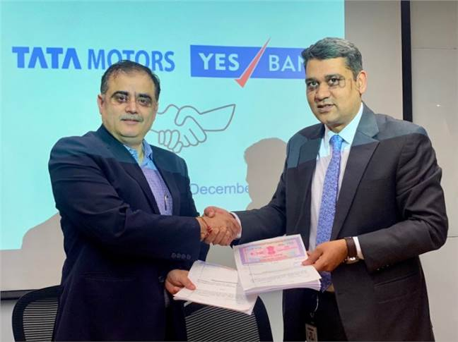 Left - Rajesh Kaul,  VP – Sales and Marketing, Commercial Vehicles Business Unit, Tata Motors and Nipun Jain, Group President – National Head Commercial Retail Assets and MIB, Yes Bank at the MoU signing.