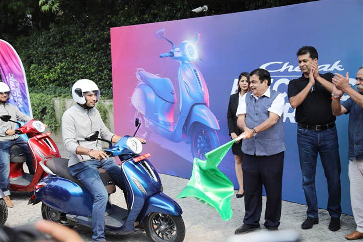 'Chetak Electric Yatra', flagged off by Nitin Gadkari and Amitabh Kant, will see riders on 20 e-Chetaks undertake a 3,000km Delhi-Pune ride through northern and western India.