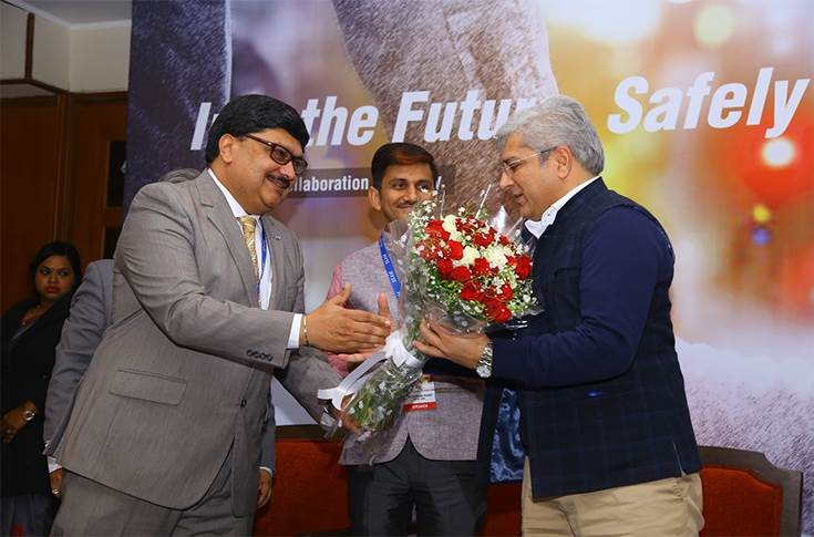 Welcoming the chief guest Kailash Gahlot