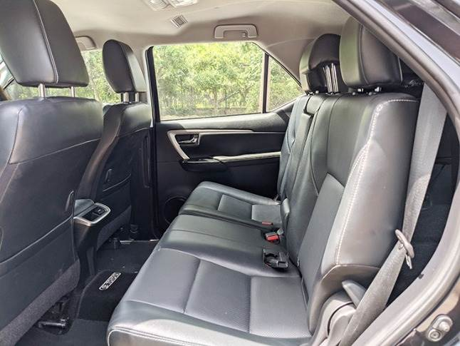 Spacious cabin with ample shoulder, leg and headroom for three-abreast seating in second row.