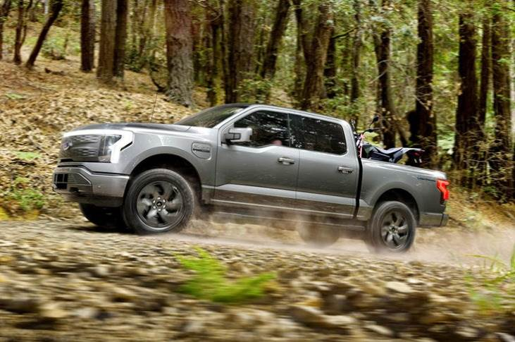 The F-150 Lightning retains the aluminium alloy body and frame of the regular F-150, along with independent rear suspension
