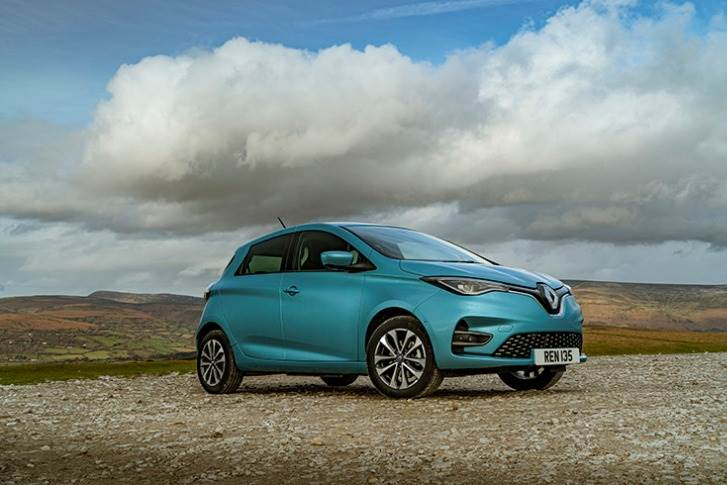 New Zoe has near-400km range. When plugged in to a DC charger, the EV's 52kWh battery can be charged to 144 kilometres of range in just 30 minutes.