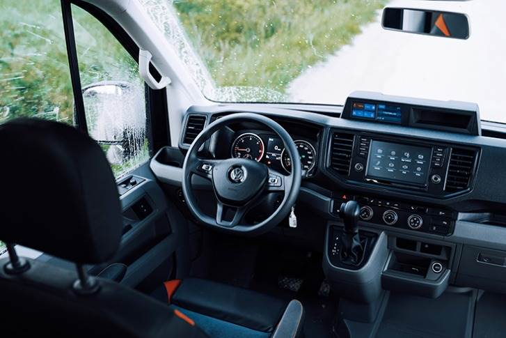 The steering wheel is equipped with height and inclination adjustment, wheel lock.