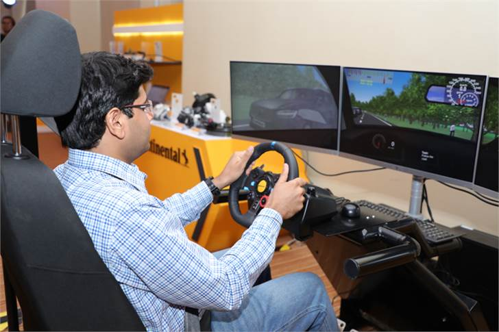 The driving simulator at the Continental Tech Day gave a hint of how passive and active safety systems can first prevent or later mitigate a crash scenario.