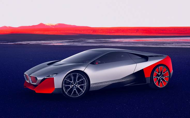 The low-slung, wedge-shaped sports-car silhouette of the BMW Vision M NEXT endows it with dramatic forward-surging intent, even when standing still.