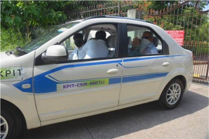 The fuel cell vehicle is fitted with a Type III commercial hydrogen tank. With 1.75kg of H2 stored at about 350 bar pressure, it has a range of 250km under typical Indian road conditions at moderate speeds of 60-65kph.
