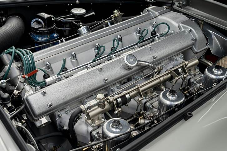 4.0-litre naturally aspirated in-line six-cylinder engine that produces 290bhp