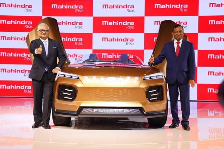 Rajan Wadhera President, Automotive Sector, Mahindra & Mahindra with Dr Pawan Goenka, Managing Director, Mahindra & Mahindra, and the Funster concept.