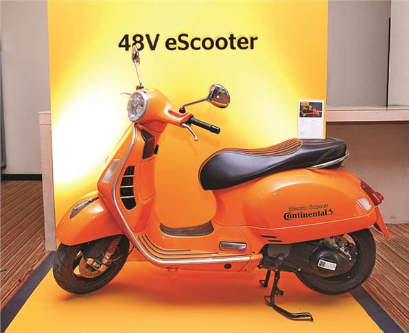 A unique application of the 48V battery starter generator (BSG) as a standalone electric motor in an electric scooter prototype. Continental will be ready with the tech by end of 2019.